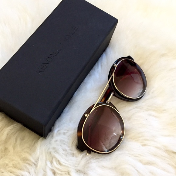 5650402be03 Kendall   Kylie Retro Flip Up Round Sunglasses